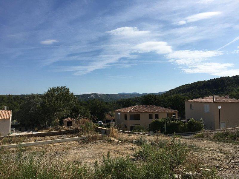 Terrains du constructeur VILLAS PRISME • 700 m² • PEYPIN