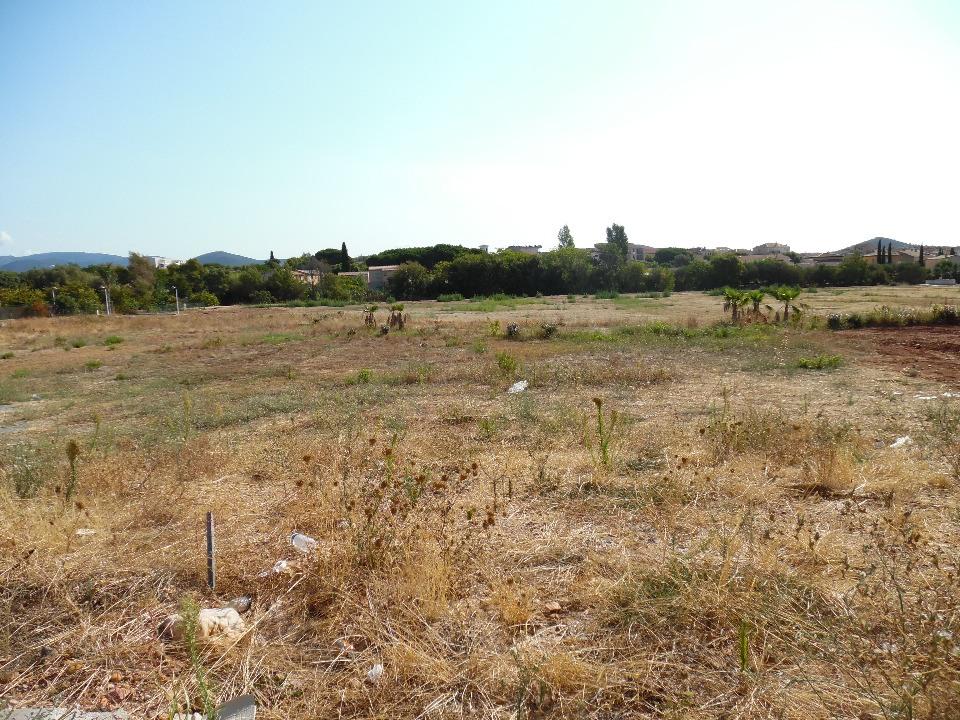 Terrains du constructeur MAISON FRANCE CONFORT • 400 m² • ORANGE