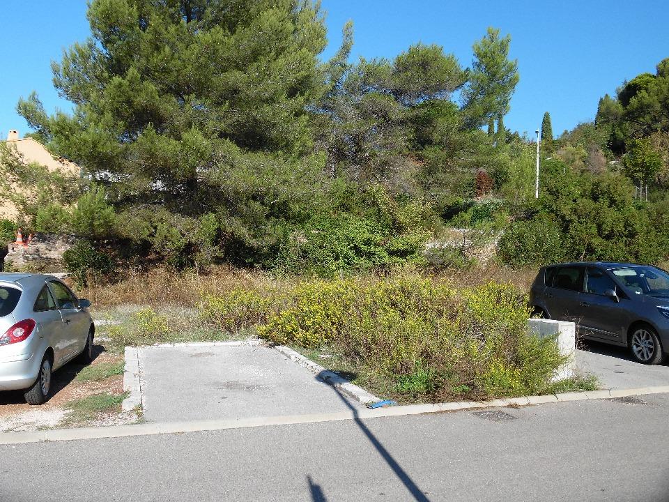 Terrains du constructeur MAISONS FRANCE CONFORT • 381 m² • BEDARRIDES