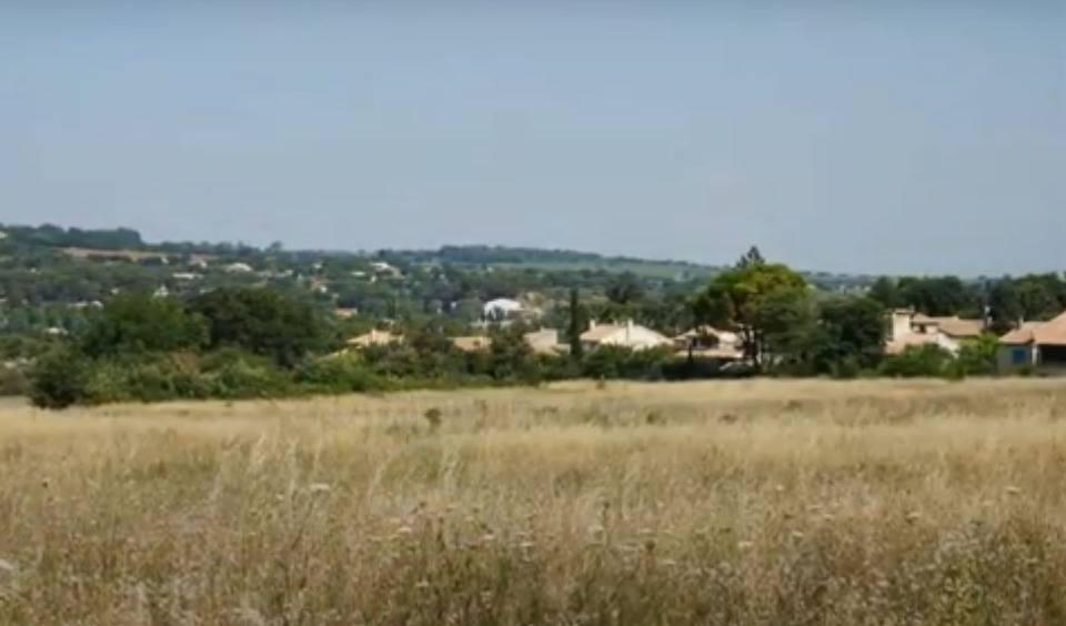 Terrains du constructeur MAISONS FRANCE CONFORT • 405 m² • BEDARRIDES