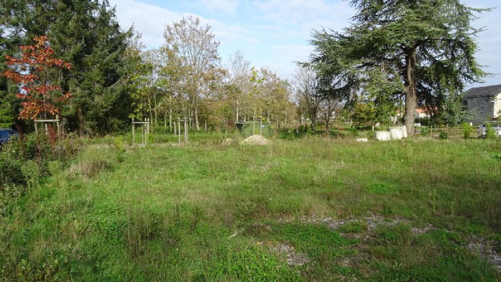 Terrains du constructeur MDI 85 LA MOTHE ACHARD • 612 m² • LA MOTHE ACHARD