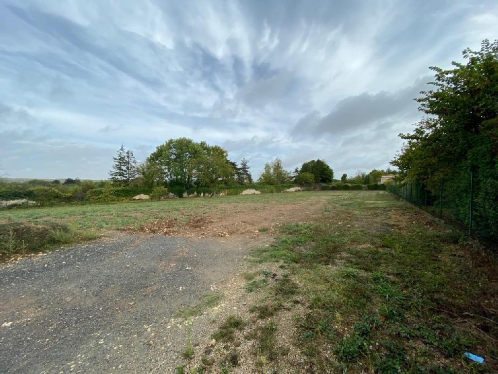 Terrains du constructeur IMOCONSEIL FRANCE SAS • 1555 m² • MIGNE AUXANCES