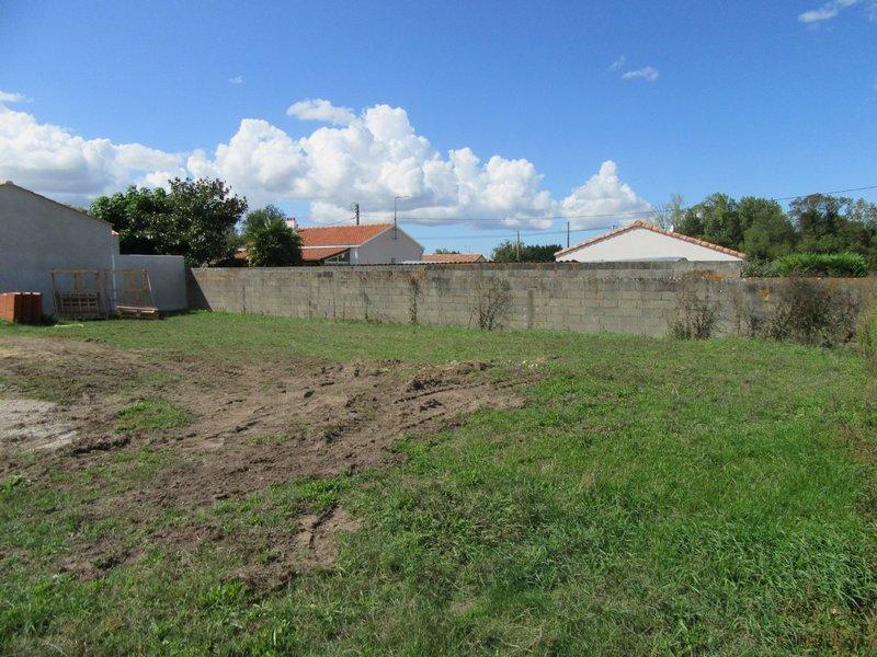 Terrains du constructeur VRIGNAUD ET BIRON IMMOBILIER • 491 m² • CHALLANS