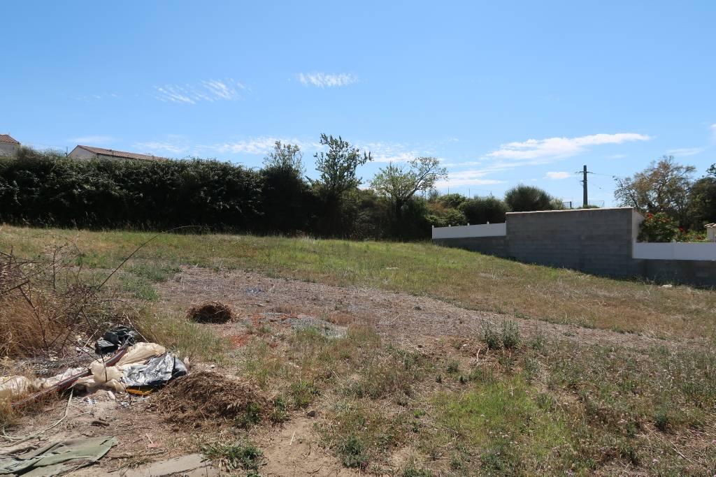 Terrains du constructeur AGENCE MAUGARD GAYRAUD • 600 m² • PALAJA
