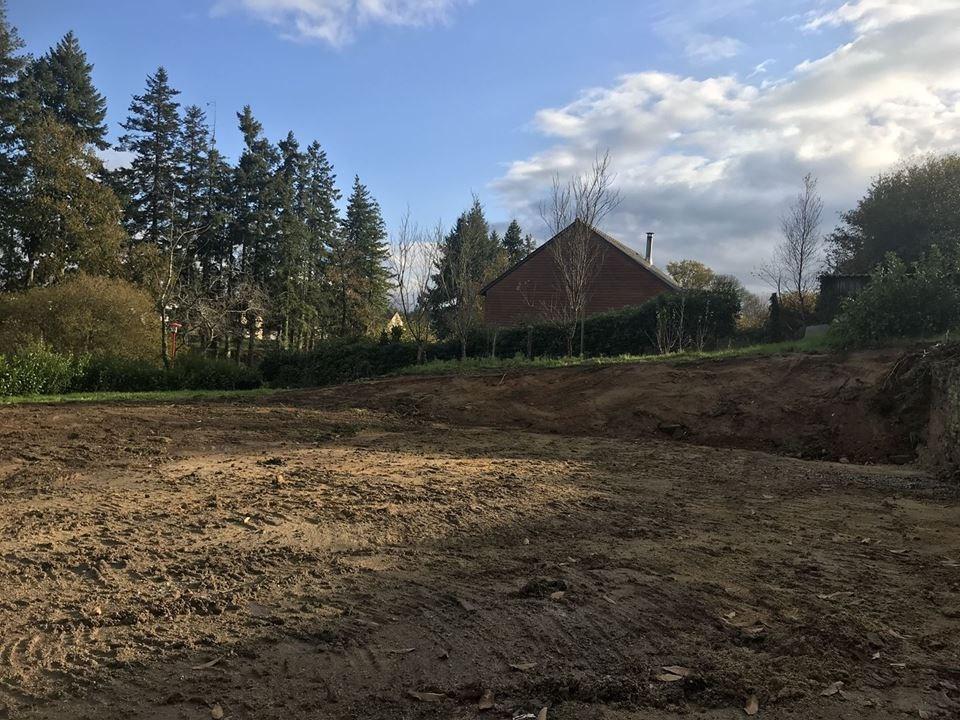 Terrains du constructeur AGENCE ALTI • 700 m² • MESLAN