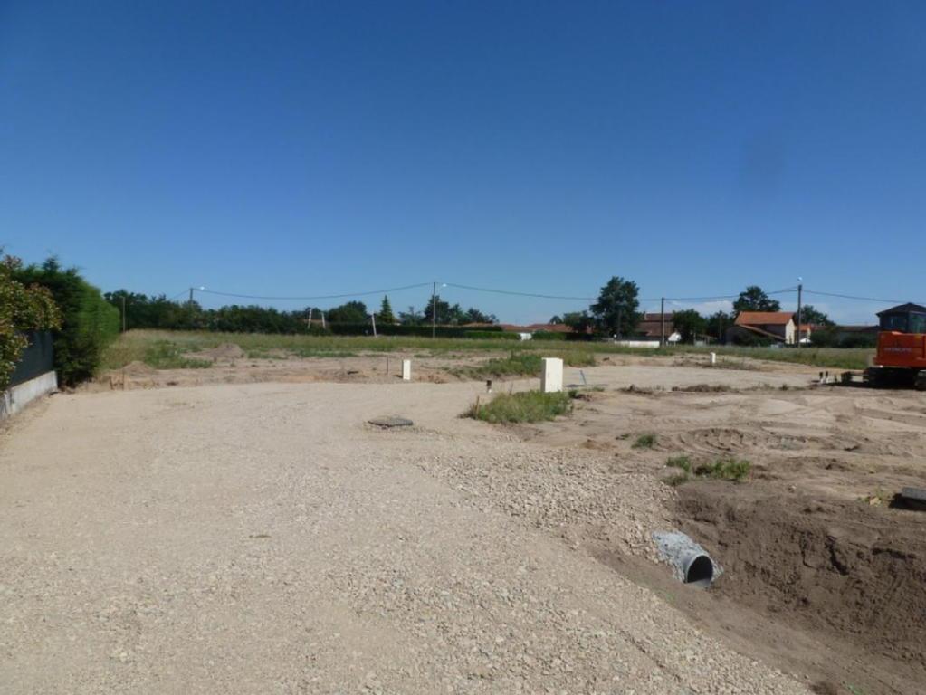 Terrains du constructeur SAS CABINET IMMOBILIER CHATAGNON • 0 m² • FEURS