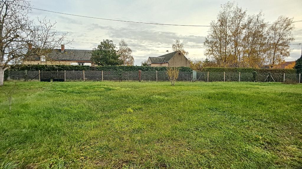 Terrains du constructeur ORPI VALRIM OLIVET • 603 m² • SANDILLON