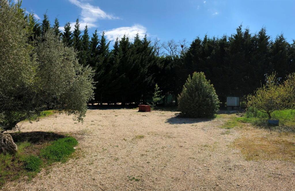 Terrains du constructeur Agence A.J Multiprest gestion • 685 m² • MONTBERON