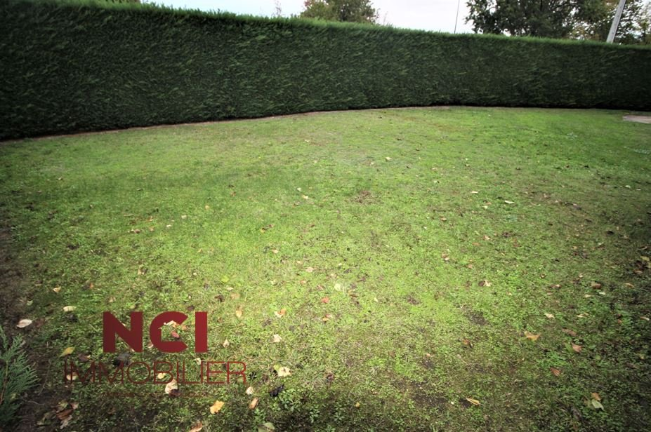 Terrains du constructeur NCI CAMBLANES • 556 m² • BOULIAC