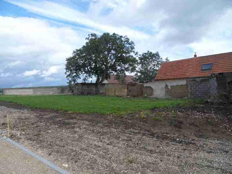 Terrains du constructeur SQUARE HABITAT CHARTRES • 540 m² • SAINT AUBIN DES BOIS