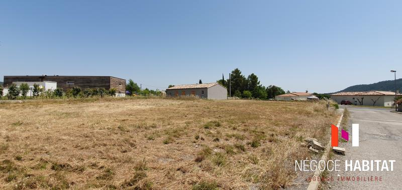 Terrains du constructeur NEGOCE HABITAT • 433 m² • CLARET