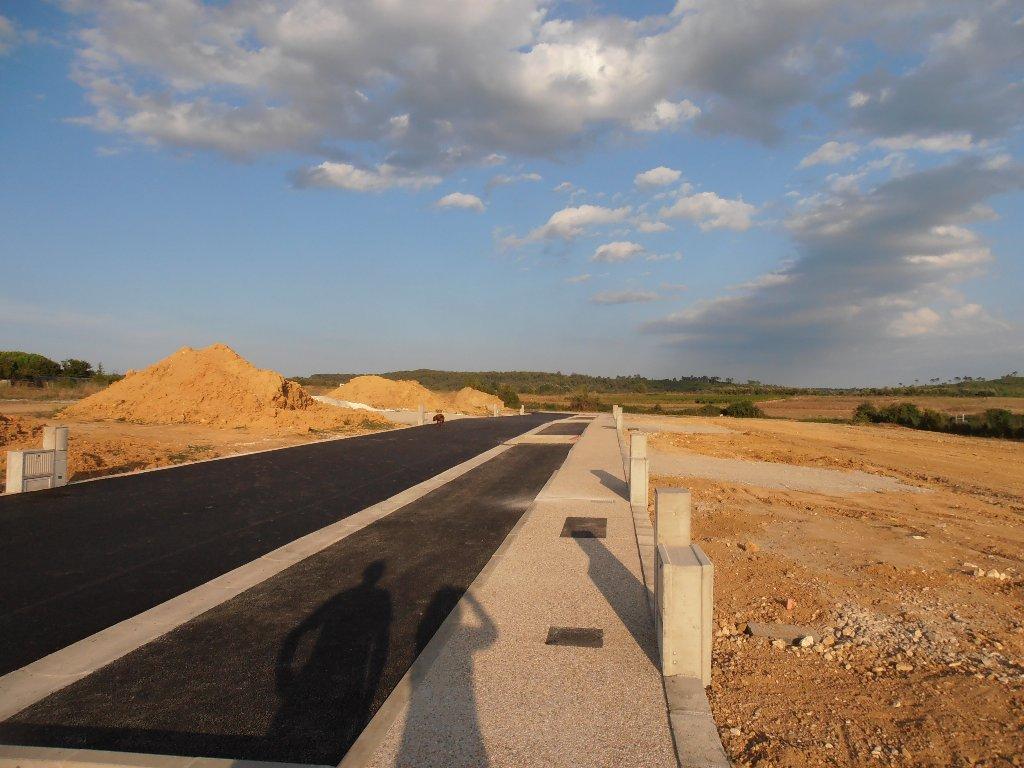 Terrains du constructeur VAUNAGE IMMO • 607 m² • COMBAS
