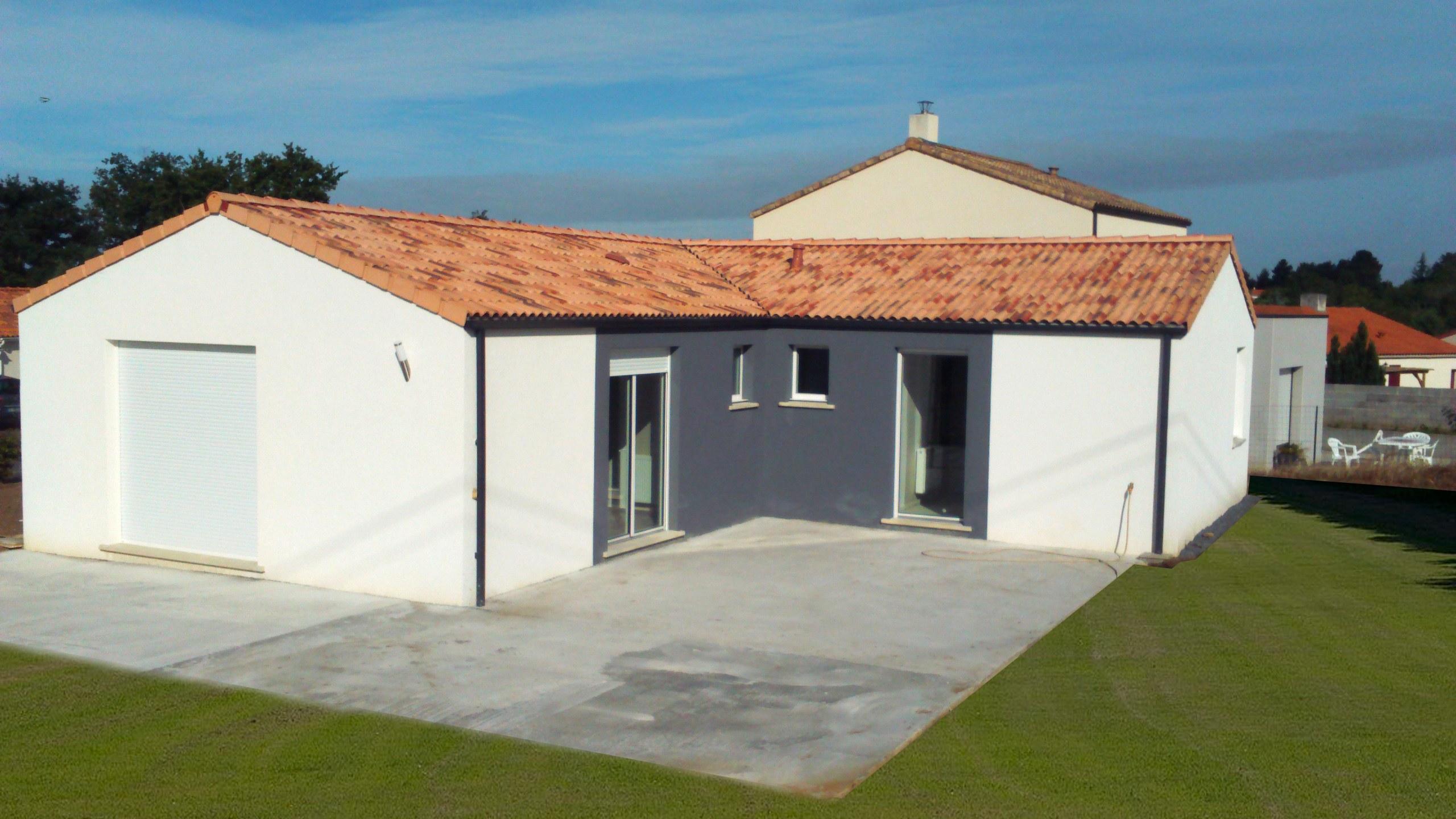 Maisons + Terrains du constructeur Maisons PHENIX Rochefort • 102 m² • SAINT AGNANT