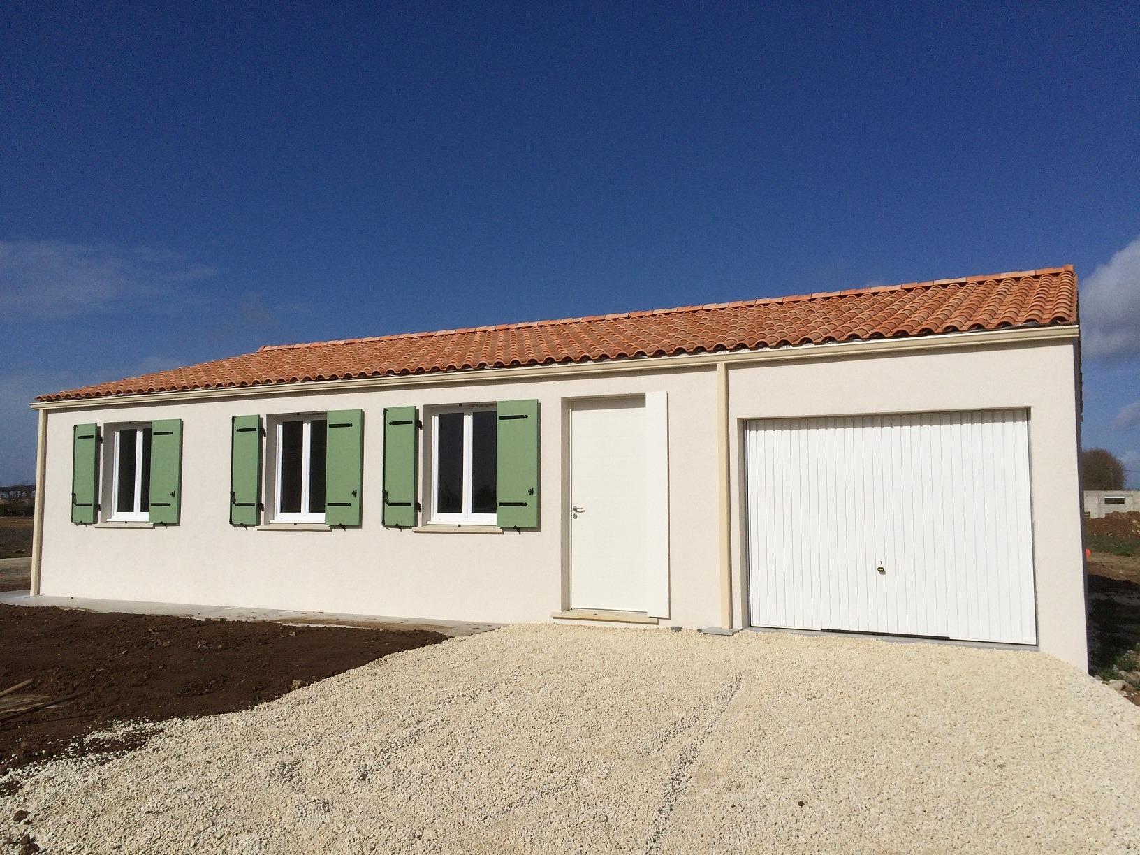 Maisons + Terrains du constructeur Maisons PHENIX Rochefort • 99 m² • TONNAY BOUTONNE