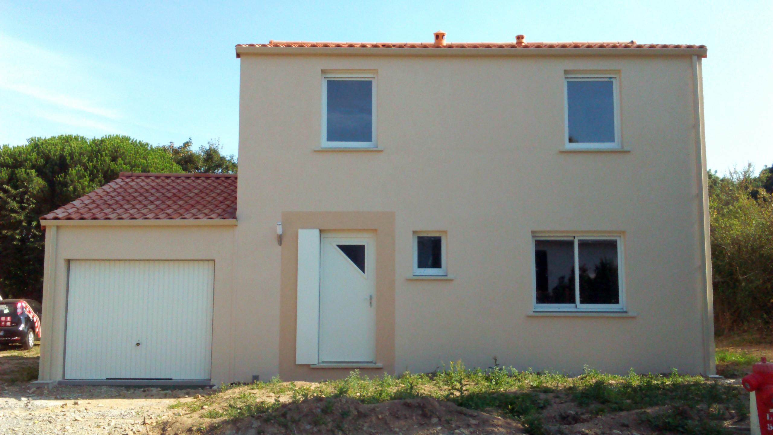 Maisons + Terrains du constructeur Maisons PHENIX Rochefort • 120 m² • ECHILLAIS