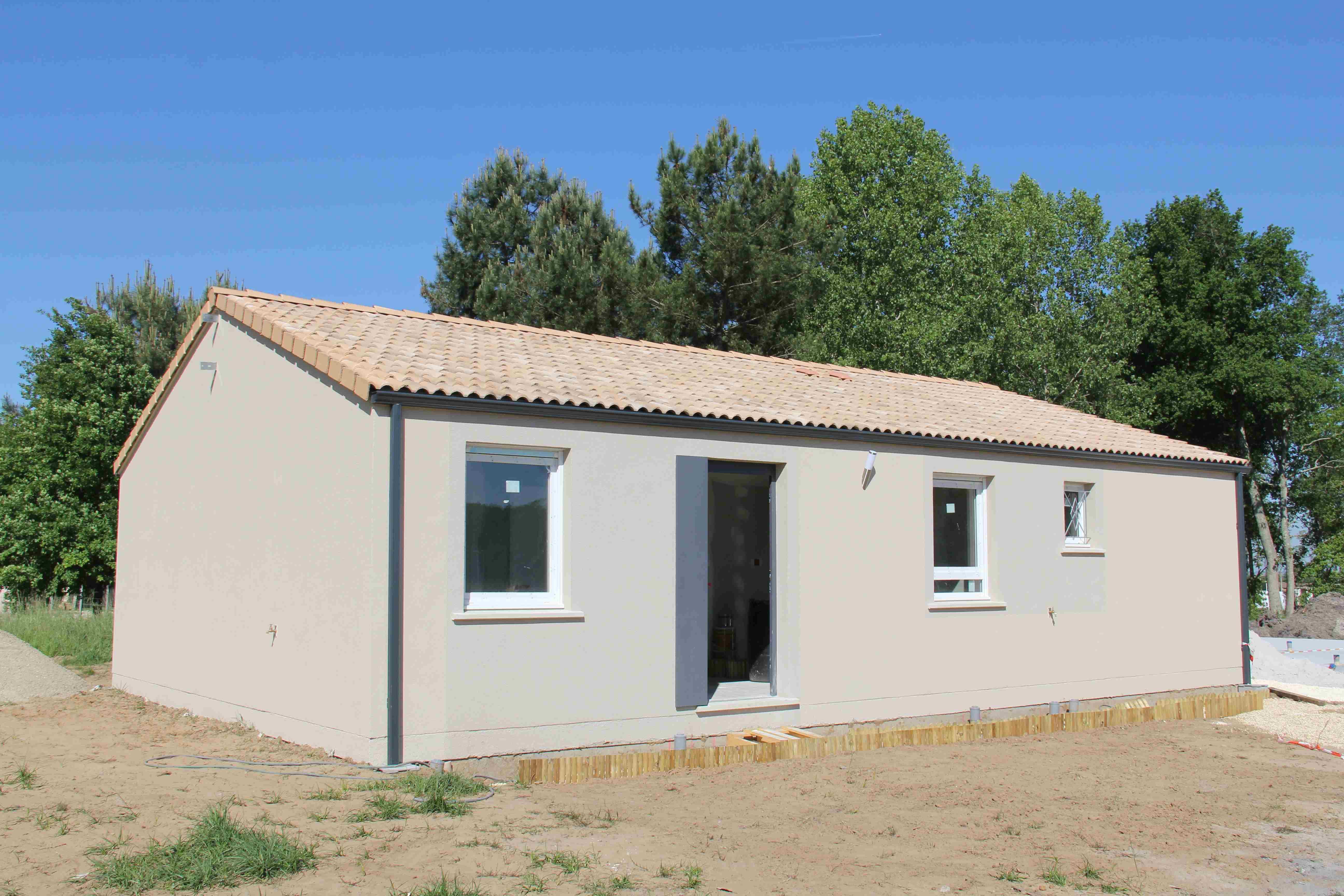 Maisons + Terrains du constructeur Maisons PHENIX Rochefort • 96 m² • ECHILLAIS