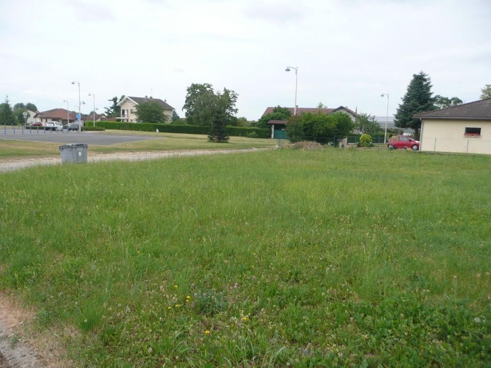 Terrains du constructeur MAISONS FRANCE CONFORT • 450 m² • CHAVANNES SUR SURAN