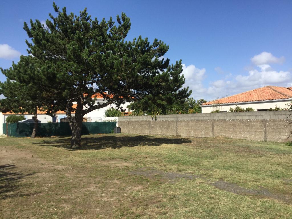 Terrains du constructeur L'AGENCE DE LA COUR ROUGE • 905 m² • SAINT GILLES CROIX DE VIE