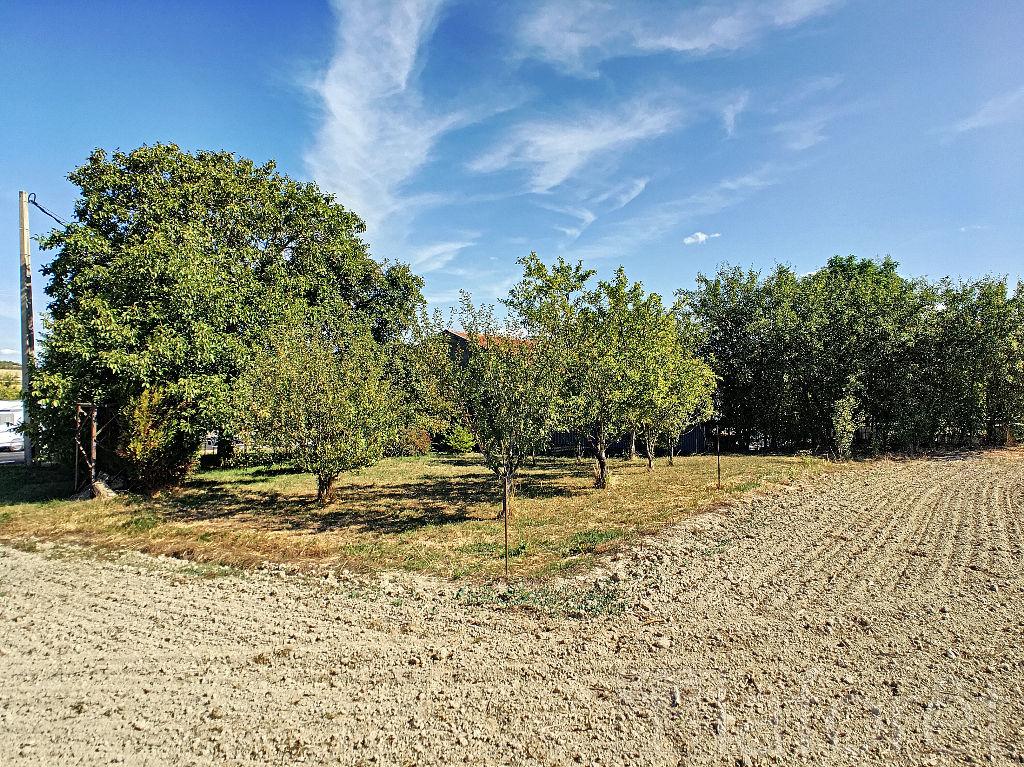 Terrains du constructeur LAFORÊT IMMOBILIER - AGENCE IMMOBILIERE DU NAU • 800 m² • GIZAUCOURT