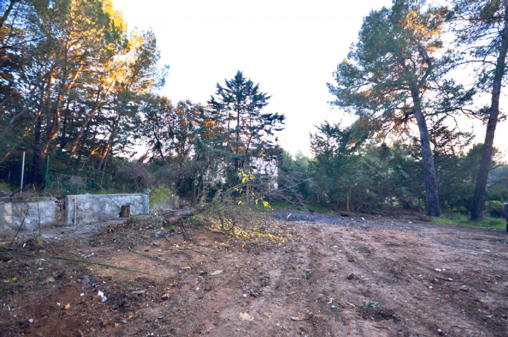Terrains du constructeur IMMOBILIERE PRIOU AND CO • 0 m² • LAMBESC