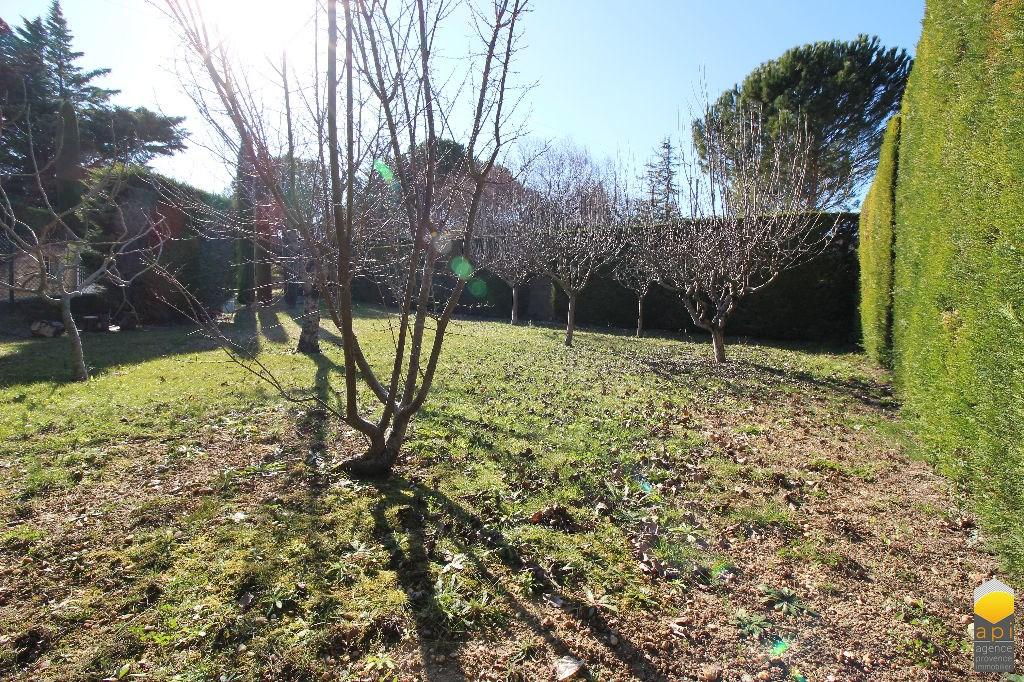 Terrains du constructeur API - Agence Provence Immobilier • 487 m² • SERNHAC