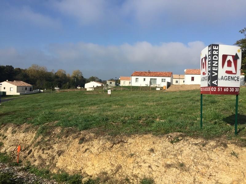 Terrains du constructeur L'AGENCE DE LA COUR ROUGE • 421 m² • SAINT REVEREND