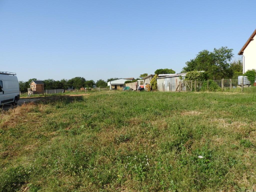 Terrains du constructeur A LA PETITE COMMISSION • 851 m² • THIVARS