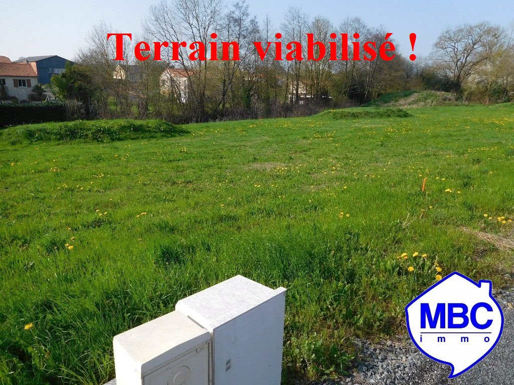 Terrains du constructeur MBC IMMO • 842 m² • VALLET