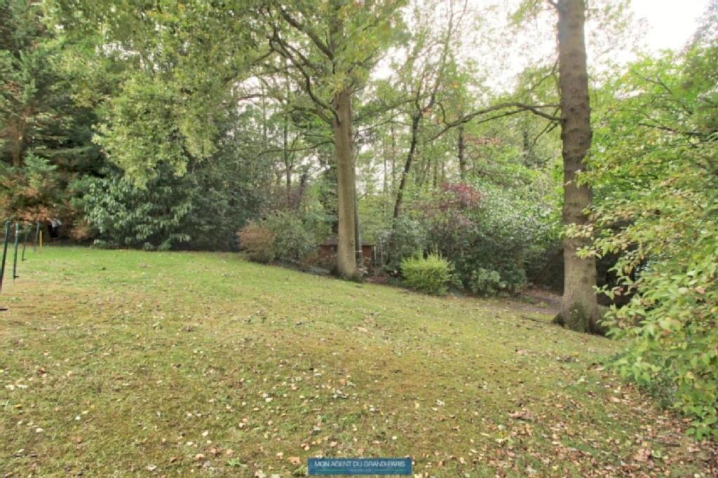 Terrains du constructeur MON AGENT DU GRAND PARIS • 1000 m² • VILLEBON SUR YVETTE