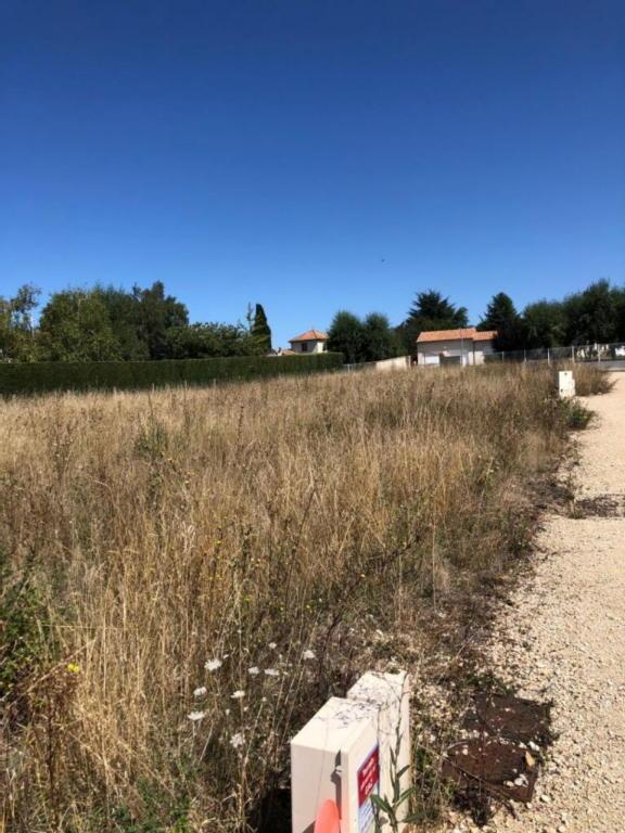 Terrains du constructeur IMOCONSEIL FRANCE SAS • 406 m² • NIEUIL L'ESPOIR