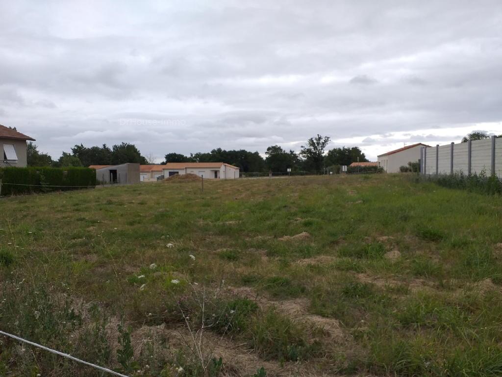 Terrains du constructeur DR HOUSE IMMO • 1476 m² • VOULTEGON