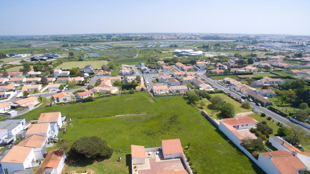 Terrains du constructeur L'AGENCE DE LA COUR ROUGE • 337 m² • SAINT HILAIRE DE RIEZ