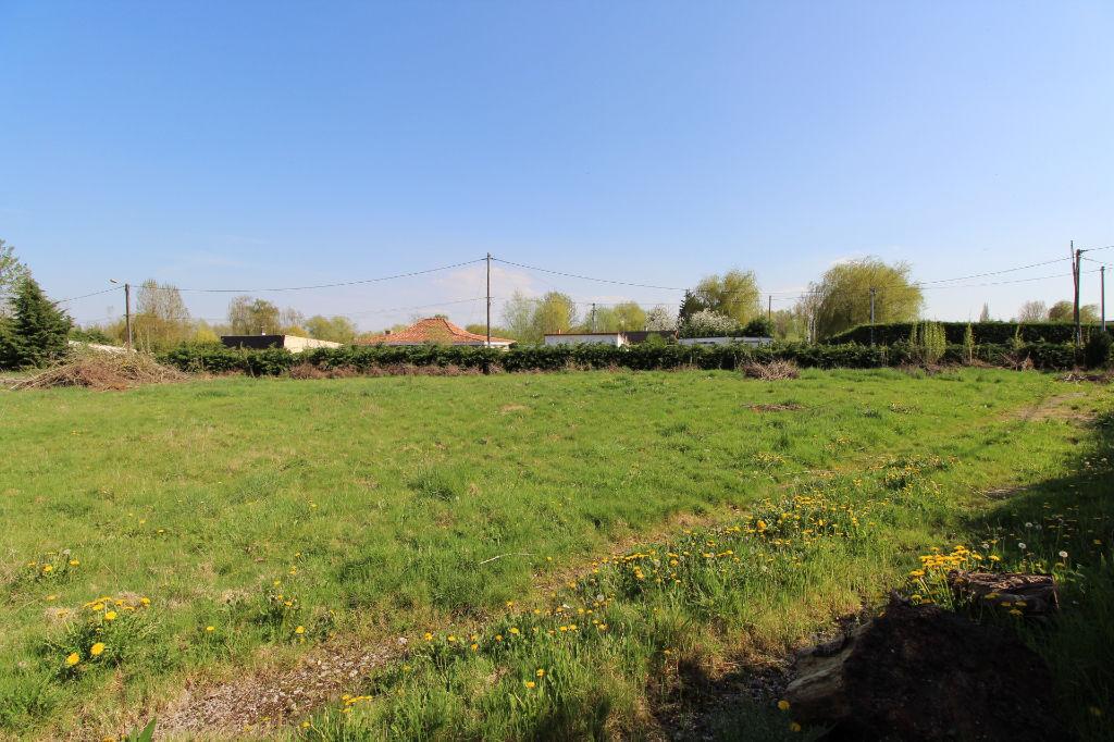 Terrains du constructeur ORPI KAP'IMMO • 2250 m² • HOULLE
