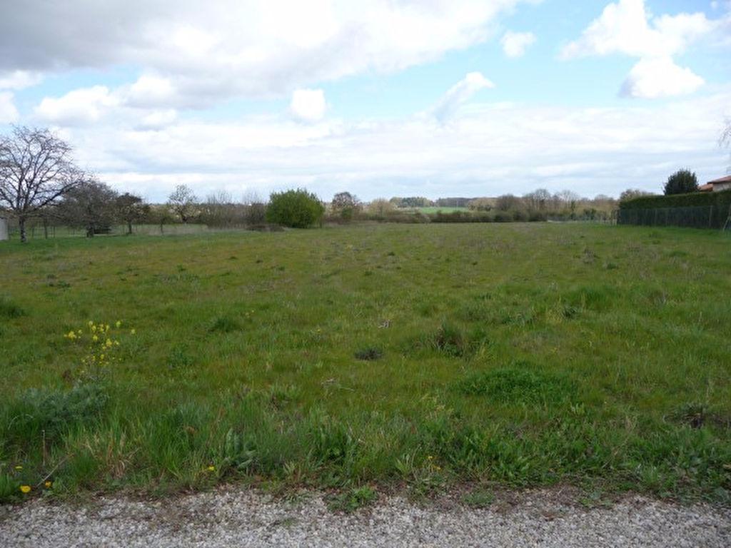 Terrains du constructeur LE TUC IMMOBILIER • 4700 m² • BIARD