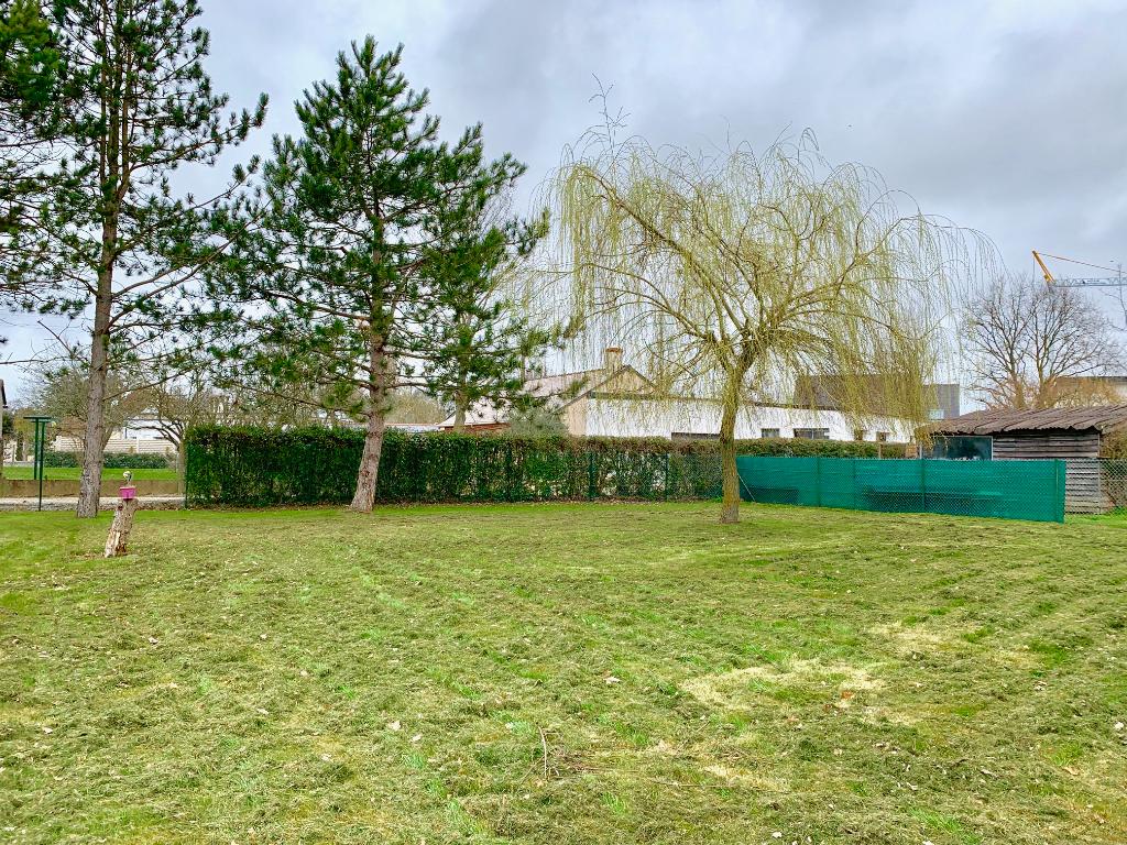Terrains du constructeur PARTENAIRES IMMOBILIERS PRIM'S • 700 m² • SAINT BARTHELEMY D'ANJOU