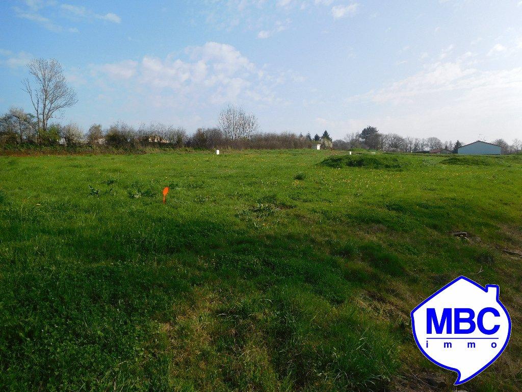 Terrains du constructeur MBC IMMO • 565 m² • LA BOISSIERE DU DORE