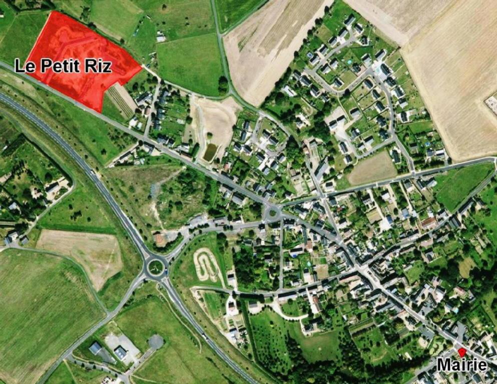 Terrains du constructeur VAL TOURAINE HABITAT • 449 m² • SOUVIGNE
