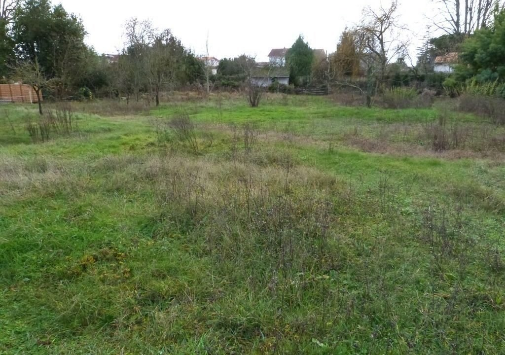 Terrains du constructeur Agence de l abbaye • 975 m² • SAUJON
