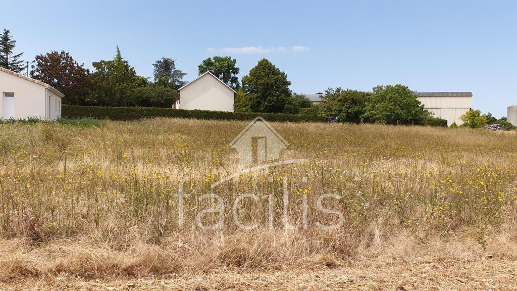 Terrains du constructeur FACILIS IMMOBILIER • 1623 m² • LE ROCHEREAU
