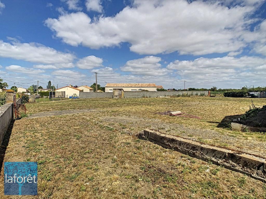 Terrains du constructeur LAFORET NORD DEUX-SÈVRES Agence de Thouars • 0 m² • SAINTE VERGE