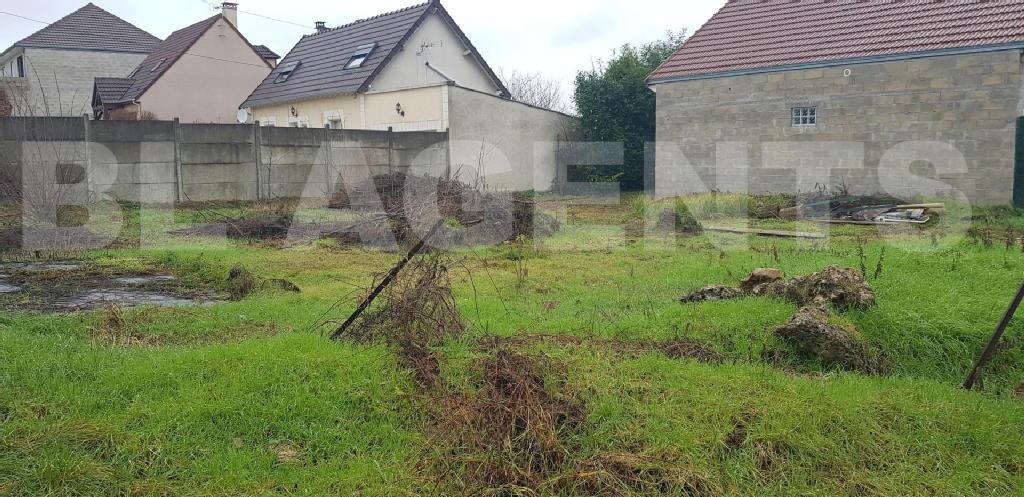 Terrains du constructeur BL AGENTS • 452 m² • SAMMERON