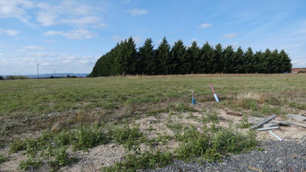 Terrains du constructeur COMBRONDE IMMOBILIER • 1096 m² • CHAMPS