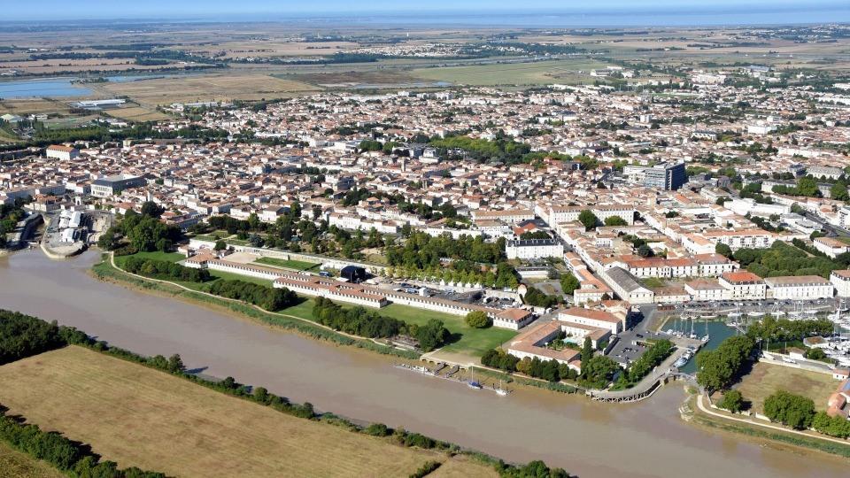 Terrains du constructeur Maisons ACCO Agence de ROCHEFORT • 130 m² • ROCHEFORT