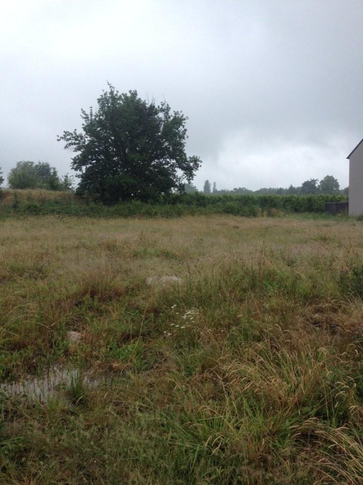 Terrains du constructeur MAISONS BERNARD JAMBERT • 600 m² • LA CHAPELLE SAINT SAUVEUR