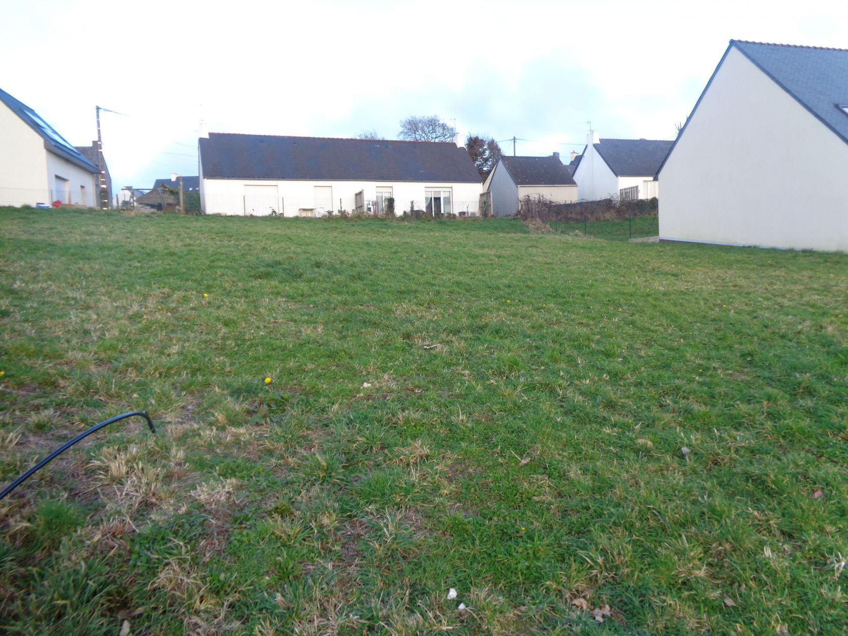 Terrains du constructeur LE MAT CONSTRUCTION • 581 m² • SAINT YVY
