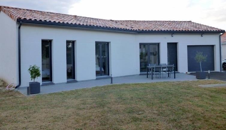 Maisons du constructeur ESQUISS 11 • 90 m² • BRAM