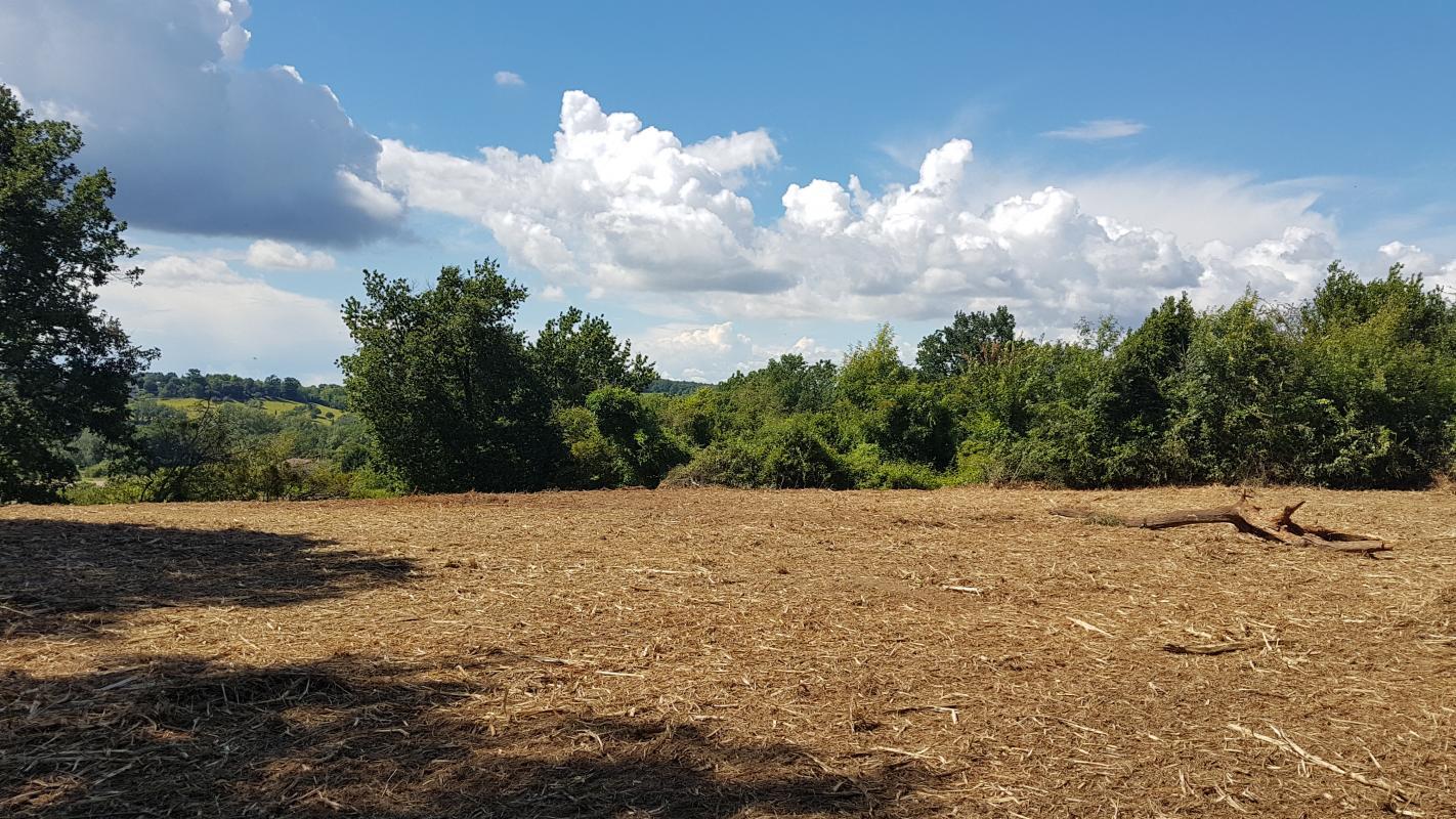 Terrains du constructeur HEXHA CONSTRUCTION • 1700 m² • BRANNE