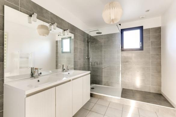 Maison+Terrain à vendre .(122 m²)(JOUY LE MOUTIER) avec (MAISONS PHENIX)
