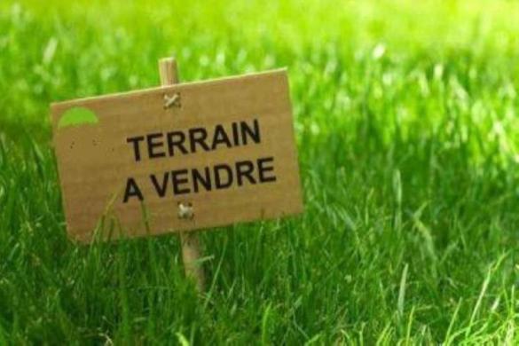 Terrain à vendre .(BEHOUST) avec (Maisons France Confort)