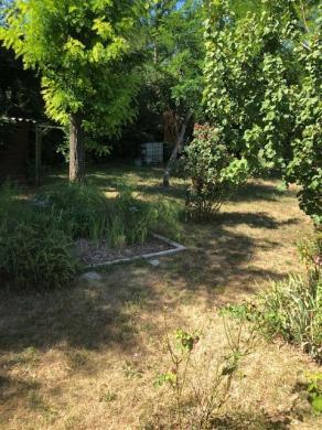 Terrain à vendre .(700 m²)(TOURVES) avec (SAS MAISONS BLANCHES)